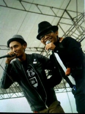The frontmen of Artificial Life & The Mobsters united at Jambore Ska Indonesia 2013