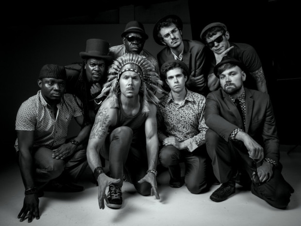 The-Dualers.jpgbw1_-800x600
